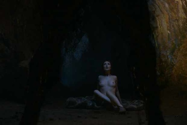 00cb484cbfa3cac43c8a9e6f9e6278ad4fe95934-Melisandre-Birth-To-Demon-02-2012-04-23