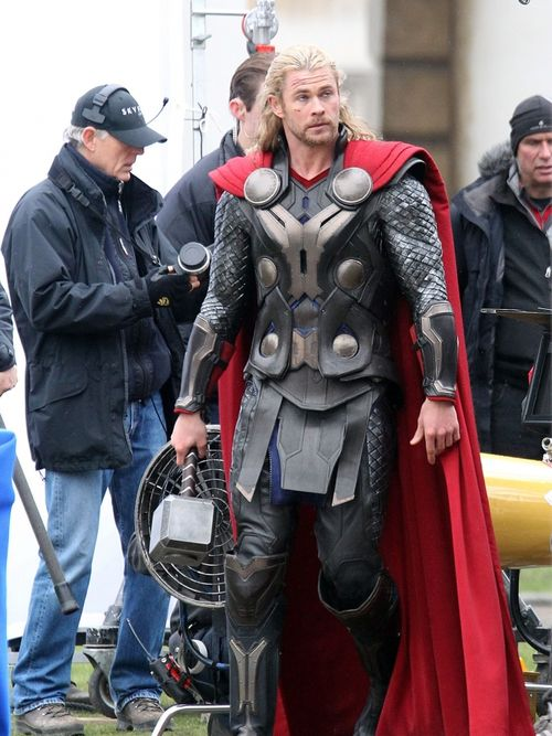 Chris-hemsworth-thor-the-dark-world2