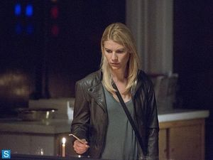 Homeland - Episode 3.08 - A Red Wheelbarrow - Promotional Photos (6)_FULL