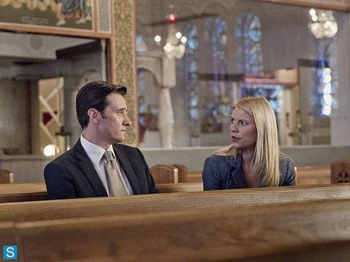 Homeland - Episode 3.08 - A Red Wheelbarrow - Promotional Photos (2)_FULL