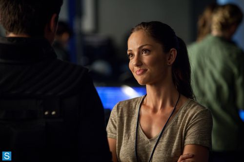 Almost Human - Episode 1.06 - Arrhythmia - Promotional Photos (1)_FULL